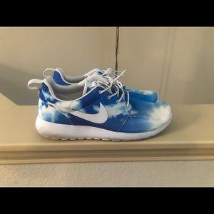 Rare Nike Cloud Mens Roshe Run 10.5